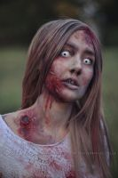 Blond zombie girl 2 by Estelle-Photographie