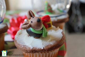 Winter Corgi Cupcake by SugiAi