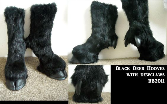 Black hoof boots with dew claw by Magpieb0nes