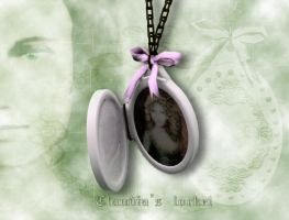 Claudia's locket by Melissa-light