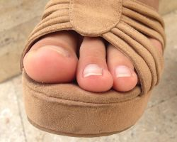 Ethel's Natural Toes in Tan Suede Shoe by Feetatjoes