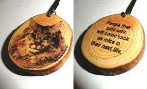 Cat lovers pendant necklace. Pine tree slice cat. by plexeurope