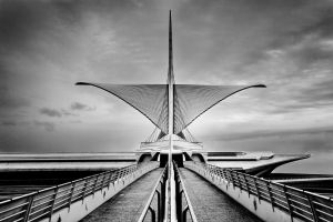Milwaukee Art Museum BW by F2E-87-Jeddah
