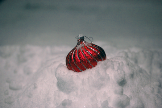 Snowy Bauble by the-sidewinder