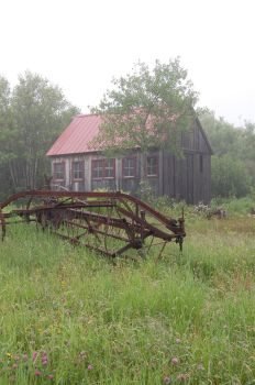 Foggy Day: Abandoned 2 by angelaiko