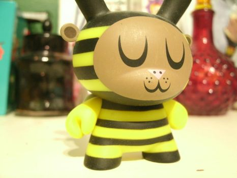 Bee Yourself by Burnheart146