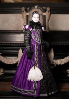 Purple elizabethan gown by Stahlrose