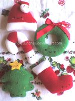 cute christmas plushies by VioletLunchell