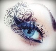 creative eye liner by LouVicious