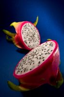 Dragon Fruit by pijioto