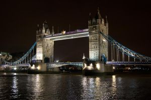 Tower bridge - Dark by cyric80