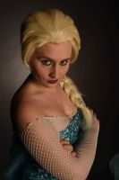 Elsa cosplay by lilkillasophie