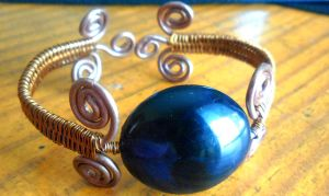 copper bangle by slinkyskinked