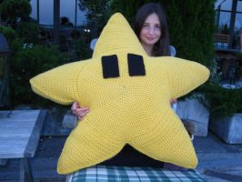 the giant crochet star and me by PinkuArt