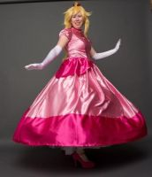 You spin me right round - Peach Cosplay by FuzzyRedPants