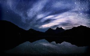 Dove Lake Million Stars by Michaelthien