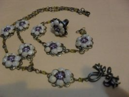 Jewelry with shells by edelweiss-workshop