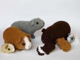 Guinea pig family by LunasCrafts