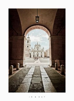 Loreto: In and Out by blueanto