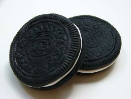 Closeup Of My Fake Oreos by yobanda