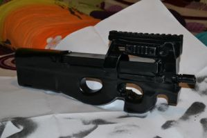 FN P90 papermodel by BHAAD