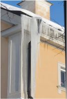 Icicles in town 2 by Kattvinge