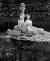 Statues in water by vaavesur