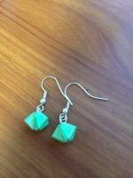 green origami star earrings by yuyinfeng