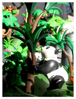 Playmobil Jungle - Hungry Panda by The-Toy-Chest