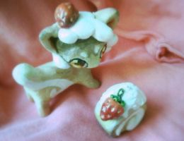 Cute strawberry cake dragon toy and charm by PinkDonutArt