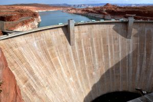 Glen Canyon Dam, Arizona by Zavitala