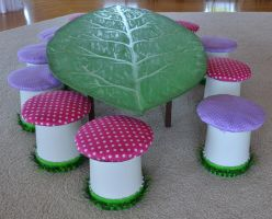 Leaf Table and Toadstool chairs. by Craftpocalypse