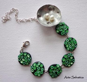 Green bracelet by ArteSelvatica