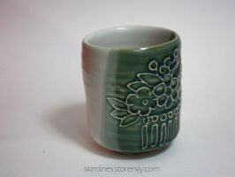 Small Bira Kanzashi GReen and White Tea Cup by skimlines