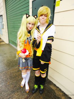 10.11.2012 Supanova- Vocaloid SeeU And Len by MissMurder1243