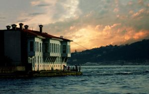 Istanbul waterside house...... by CanDaN