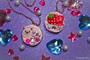 Delicious Decora Cookie Necklaces by squeekaboo