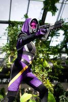 Tali Zorah vas Normandy by MagpieLaughs
