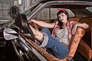Carrie Diamond and Ford Torino by fotomartinez