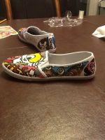 Outer side of Tails Shoe by GhostKoMochi