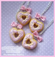 Heart donuts necklace by Irudisu