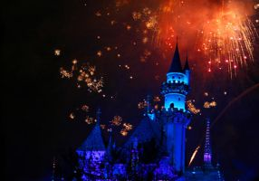 Disneyland Fireworks by overexxxposed