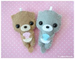 Otters by littlepaperforest