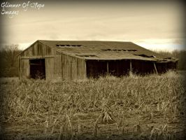 Spooky Barn by GlimmerofHopeImages