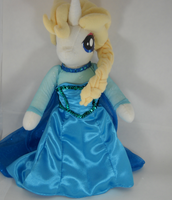 Front view of Elsa Pony by digigirl789