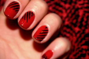 Graphic red nails by CosmosBrownie
