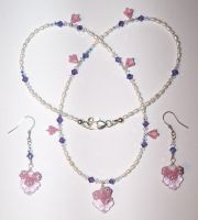 Glass and Pearl Necklace Set by artefaccio