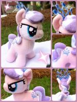 Diamond Tiara Plush by MintyStitch