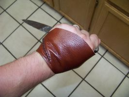 assassins creed barber glove by MerrillsLeather