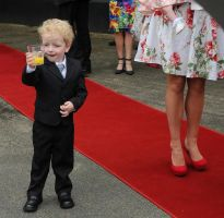 Pageboy Cheers by yolandabanfield